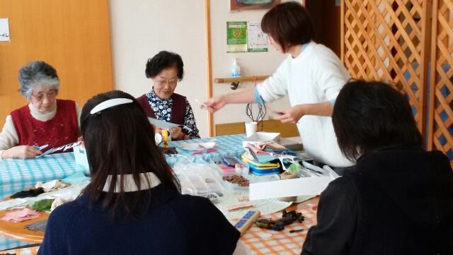 11月地域勉強会・ブロ-チ作り-大田原市湯津上の老人ホ-ムほのぼの園-